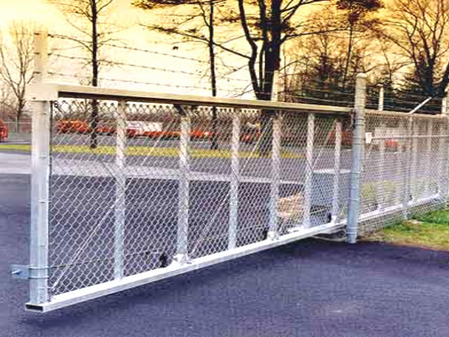 Chain Link Fence with Aluminum Cantilever Slide Gate