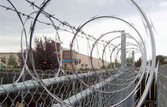 Chain Link Fence Obstacle Wire Razor Wire Barbed Wire
